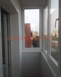 Остекление и отделка балкона в Омске