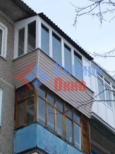 Балкон с крышей на последнем этаже в Омске фото
