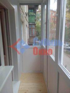Ростовой балкон с отделкой фото