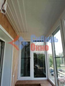 Остекление и отделка балкона в Омске фото