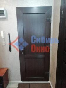 Установка кашированных дверей ПВХ в Омске от Сибирь Окно