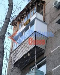 Балкон с выносом и отделкой сайдингом фото