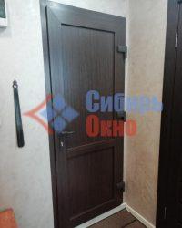 Установка ламинированных пластиковых дверей в Омске от Сибирь Окно