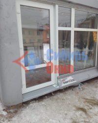 Установка входной группы из ПВХ в Омске от Сибирь Окно