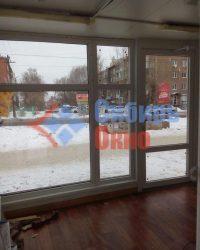 Установка входных пластиковых дверей в Омске от Сибирь Окно